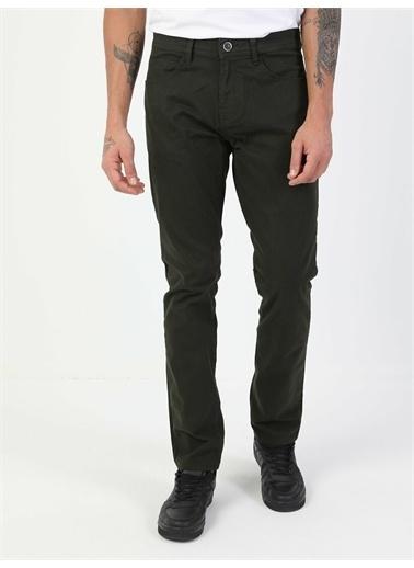 Colin's CL1046454_Q1.V1_DKH Düz Paça Normal Bel Yeşil Chino Erkek Pantolon Haki
